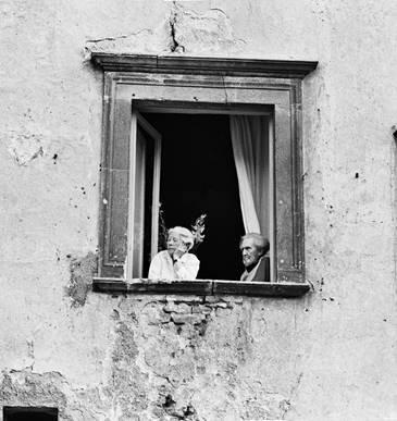 I Ritratti alla finestra a Casa Menotti per celebrare i dieci anni del Premio Monini