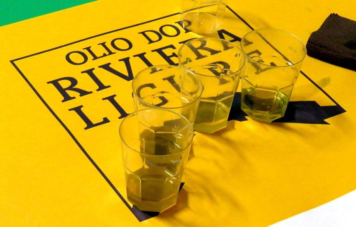 Laboratori didattici e contest sui social per coinvolgere i giovani chef con l'olio Dop Riviera Ligure