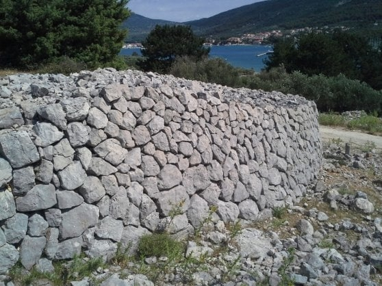 L'uomo e la pietra