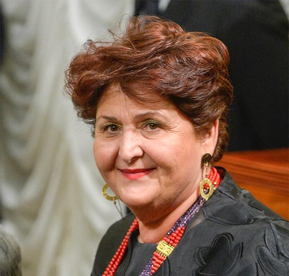 Dal Mipaaf Bellanova chiede mappatura fabbisogni lavoro agricolo per incrociare domanda e offerta