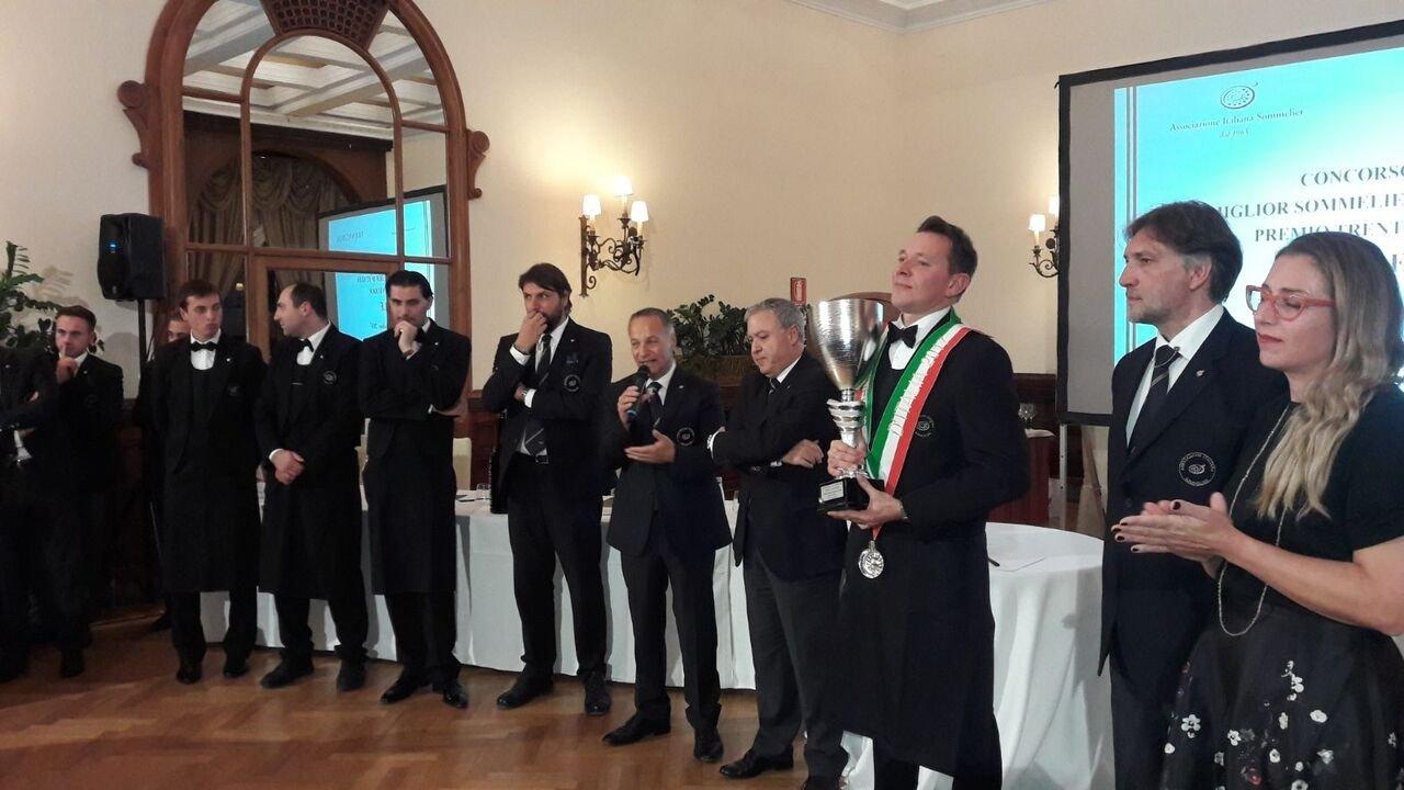 Taormina, è Roberto Anesi il miglior sommelier d'Italia
