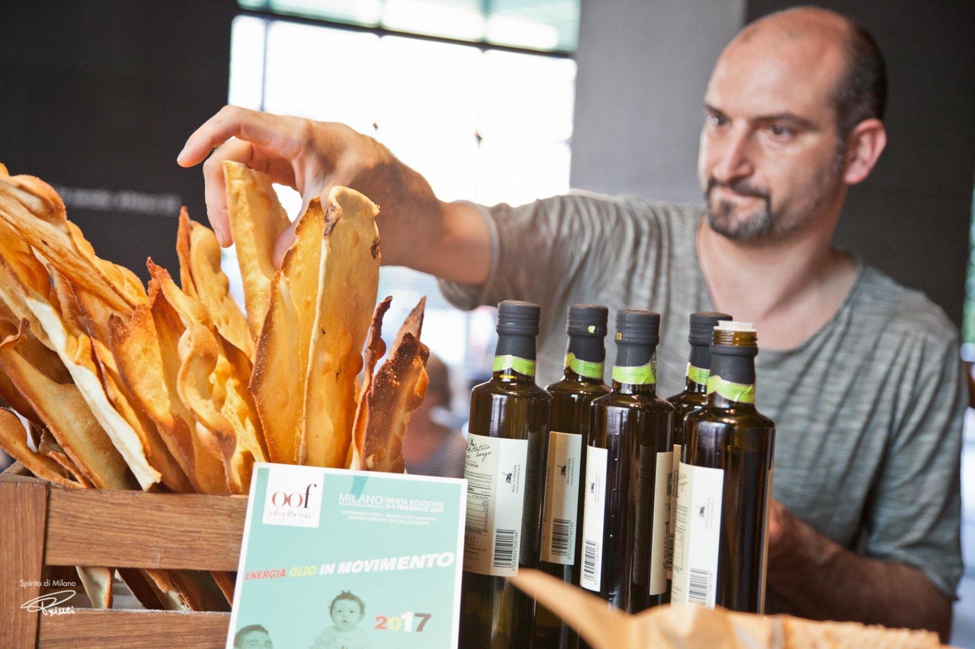 L'olio, il pane. A Milano