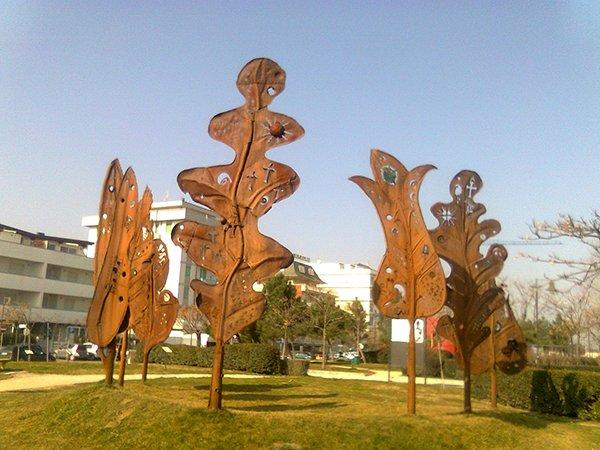 La cattedrale delle foglie