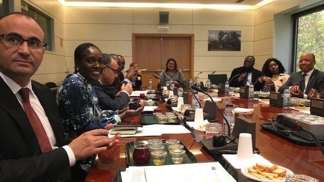 Madrid, degustazione di oli e dibattiti per alcuni ambasciatori africani presso la sede centrale del Coi