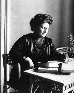 Con l'olio in cucina, pensando a Maria Montessori