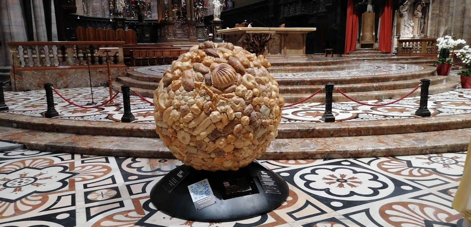 Un globo di pane per celebrare la Giornata mondiale dell'alimentazione