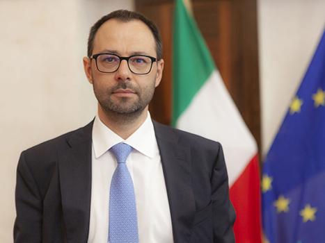 L'intervento del ministro alle Politiche agricole Stefano Patuanelli al question time alla Camera