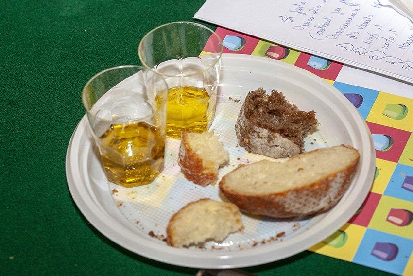 Pane (e olio) in piazza a Milano, la soddisfazione di Assitol e Aibi per il successo dell'iniziativa