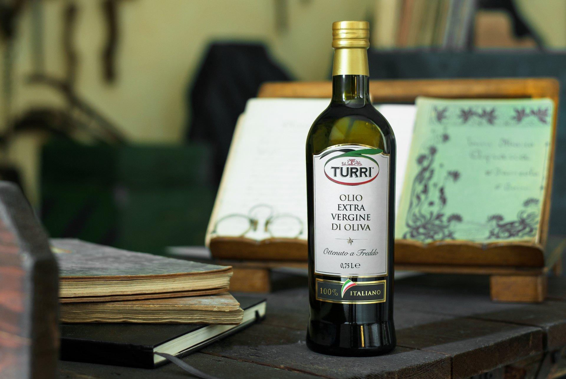 Una bottiglia dedicata alla ristorazione per l'olio Turri