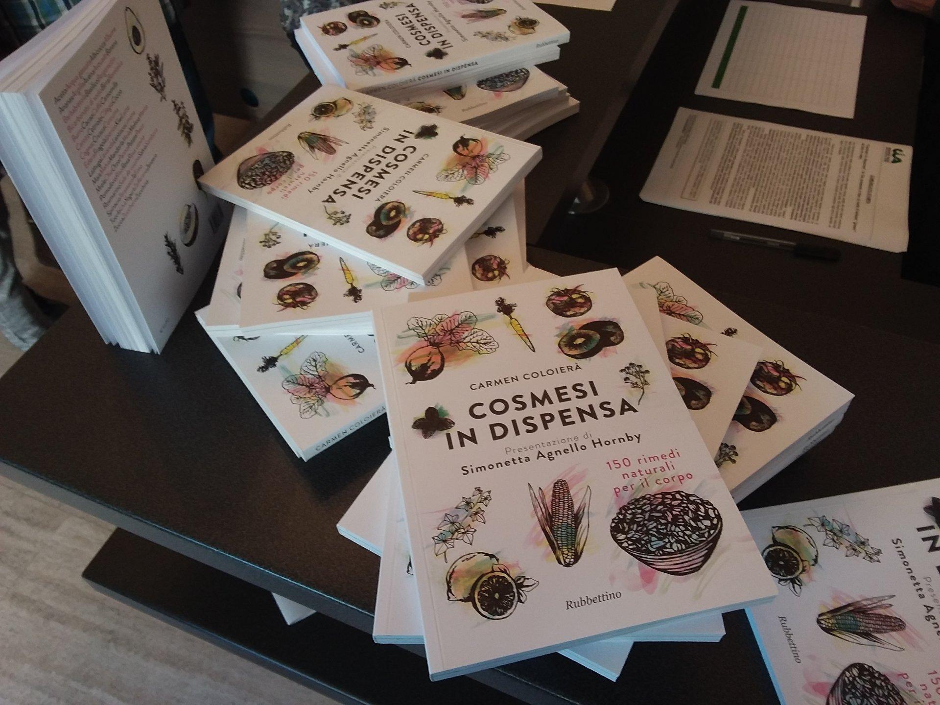 Cosmesi in dispensa, il libro di ricette di bellezza green da fare in casa