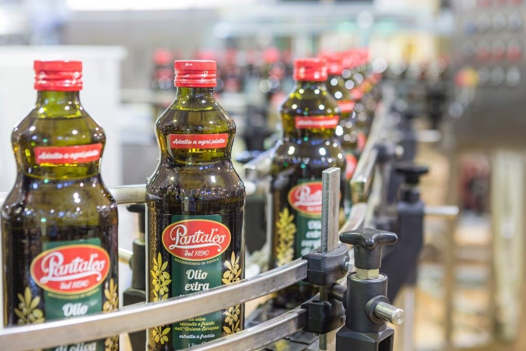 World trade in olive oil, close of the 2016/17 crop year