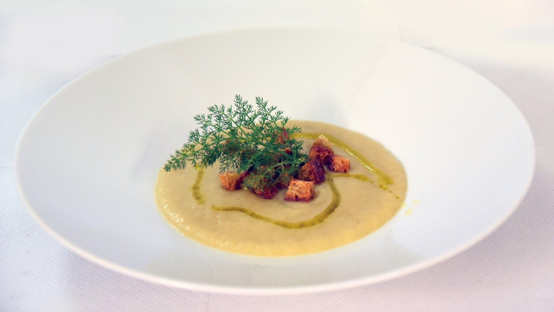 Zuppa di fagioli Schiaccioni con olio Quercetano
