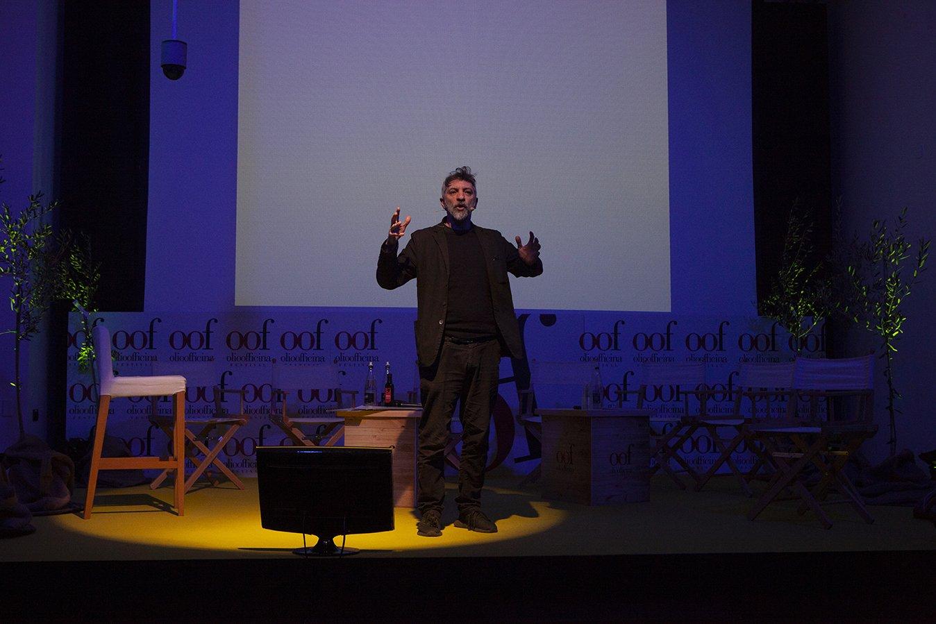 La storia della democrazia attraverso la storia dell'olivo
