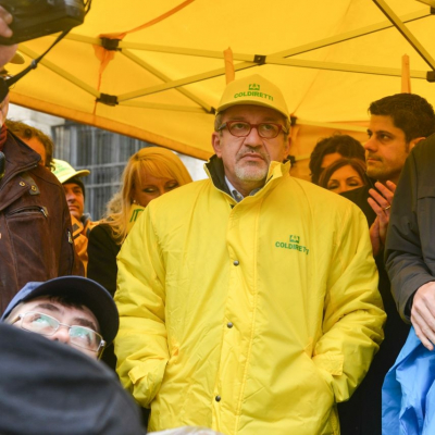 Il ministro alle Politiche agricole Martina e il governatore della Lombardia Maroni