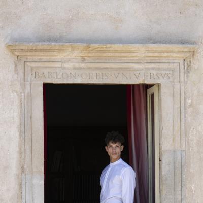 Pierre Antoine Bardot alla Finestra di Casa Menotti_2© Kim Mariani