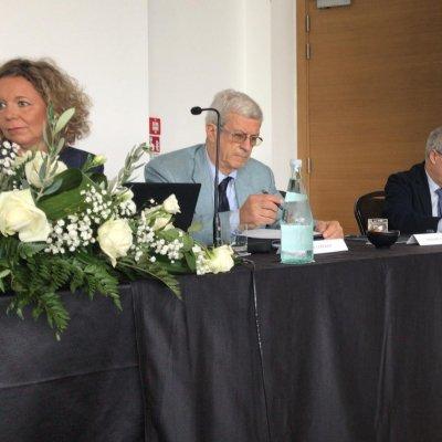 Tullia Gallina Toschi, Giovanni Lercker, docente presso l'Università di Bologna e Antonello Maietta, presidente nazionale Ais, Associazione Italiana Sommelier