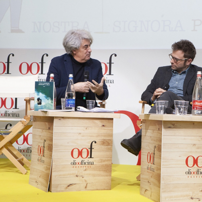 Luigi Caricato con gli scrittori Paolo Giordano e Antonio Pascale