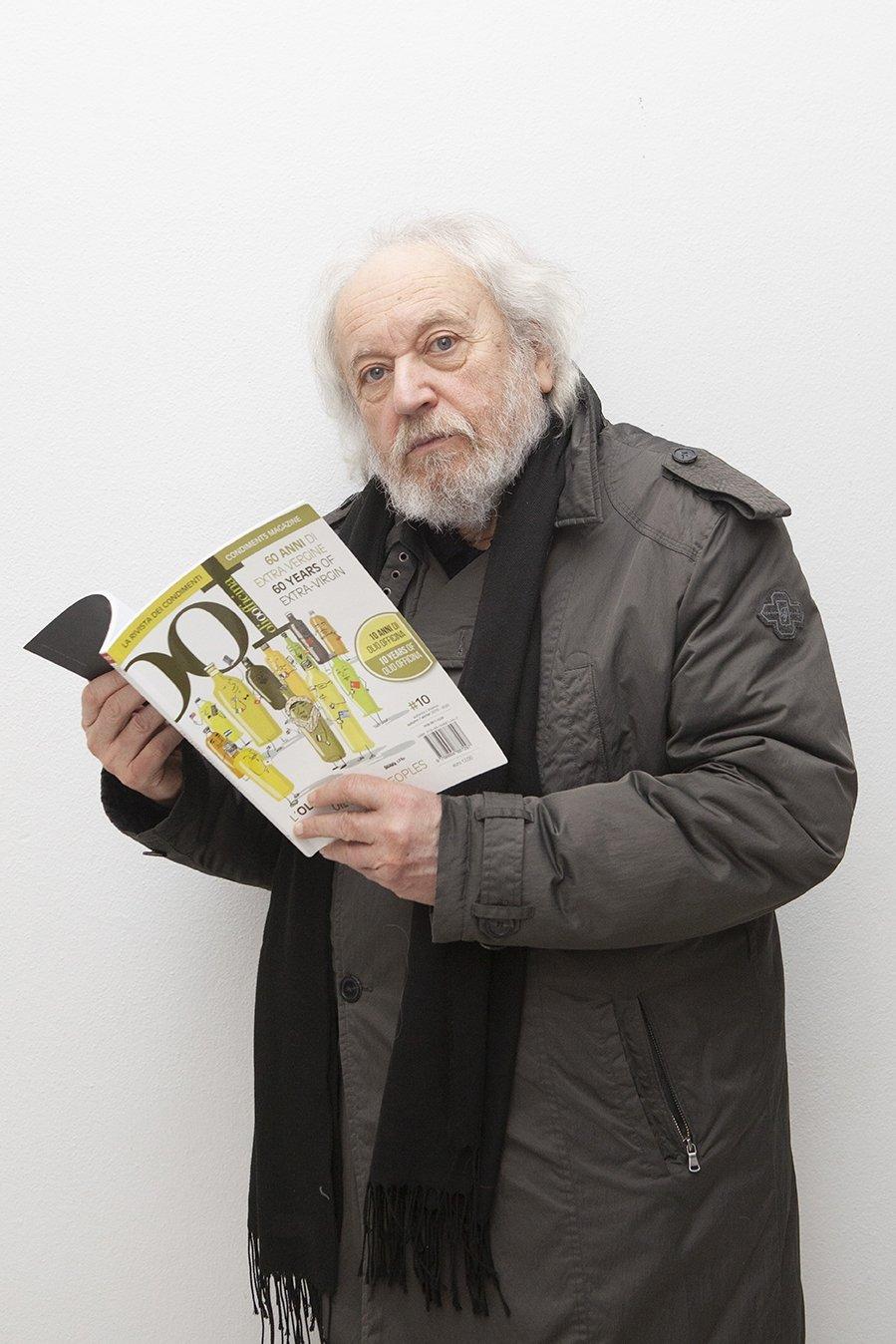 Il poeta Guido Oldani legge OOF