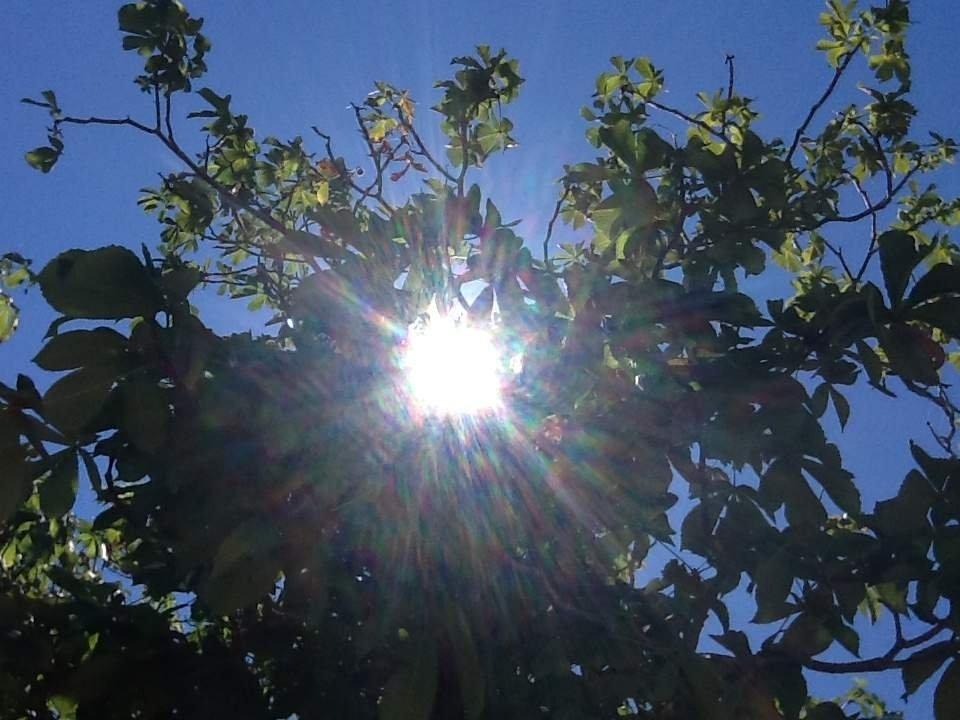 Il sole che si apre un varco