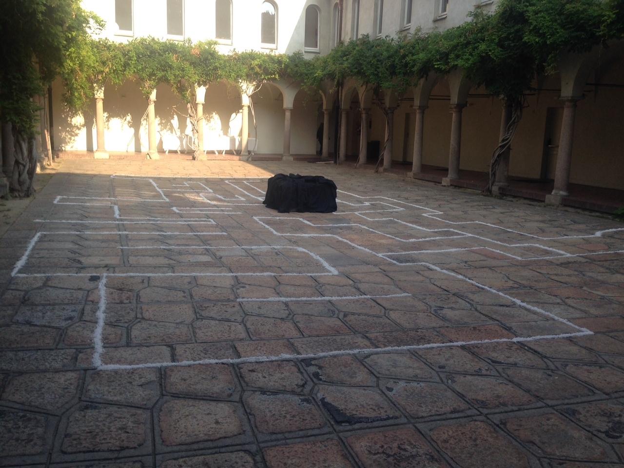 Tavola d'arte labirintica